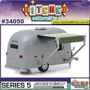 1961 - Airstream Bambi Trailer - Greenlight - 1/64
