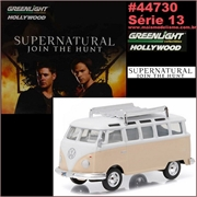 GL HOLLYWOOD 13 - 1967 Volkswagen KOMBI - Greenlight - 1/64