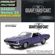 GL HOLLYWOOD 22 - 1970 Dodge Challenger Roxo - Greenlight - 1/64