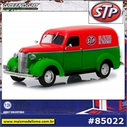 1939 - Chevrolet Panel Truck STP CHASE - Greenlight - 1/24