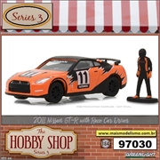 2011 - Nissan GT-R (R35) with Race Car Driver - Greenlight - 1/64
