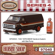 1978 - GMC Vandura Custom with Gas Pump - Greenlight - 1/64