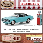 1968 - Chevrolet Camaro SS with Gas Pump - Greenlight - 1/64