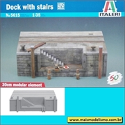 Doca com Escada - Deck with Stairs - Italeri - 1/35