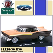 1957 - Ford FAIRLANE 500 R36 Coral - M2 Machines - 1/64