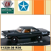 1969 - Plymouth ROAD RUNNER HEMI R36 Preto - M2 Machines - 1/64